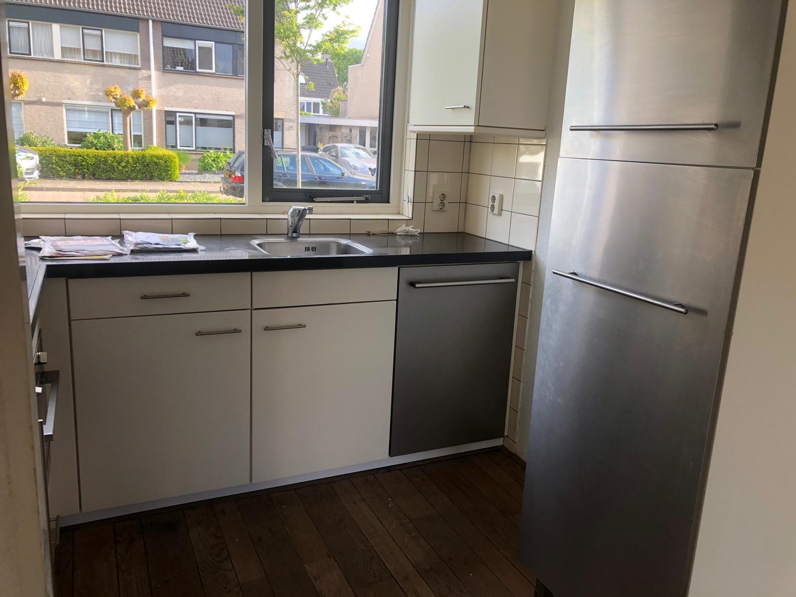 Keukenkastjes gerepareerd